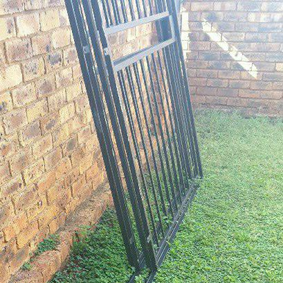 2x double sliding security gate