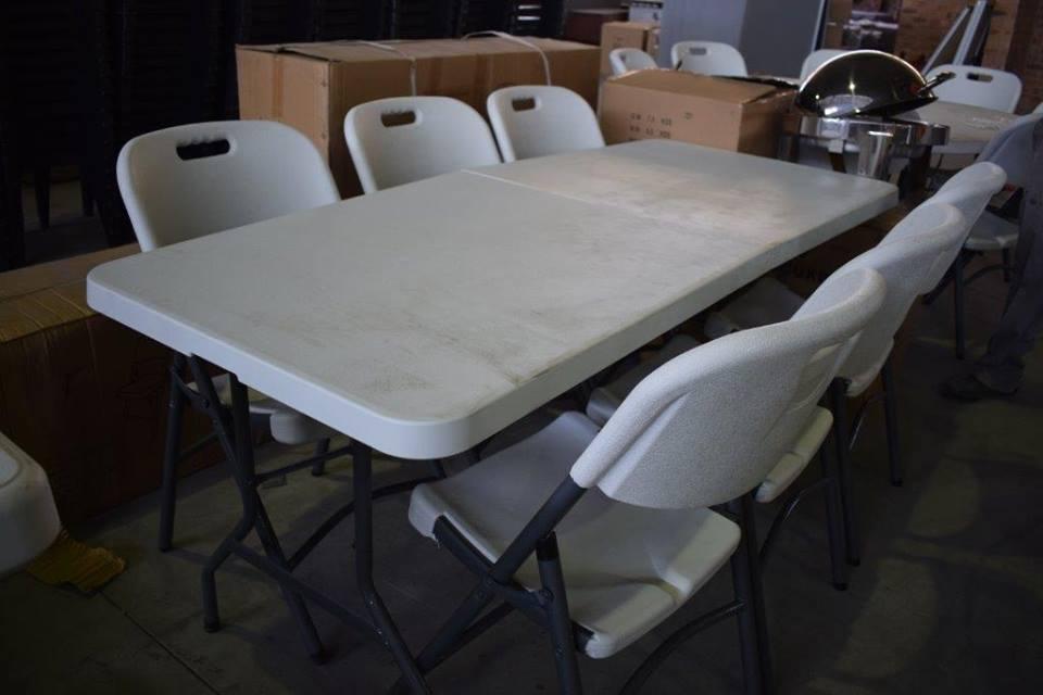 6 Seater white table set