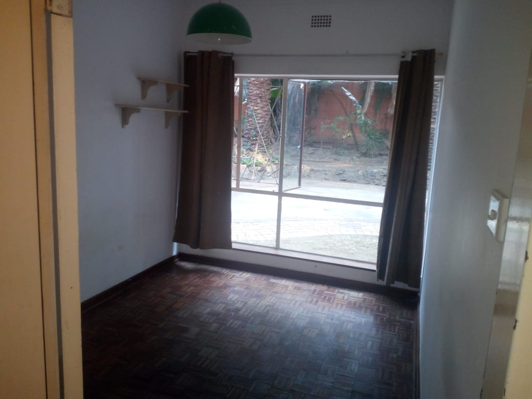 Rooms to share in Randburg