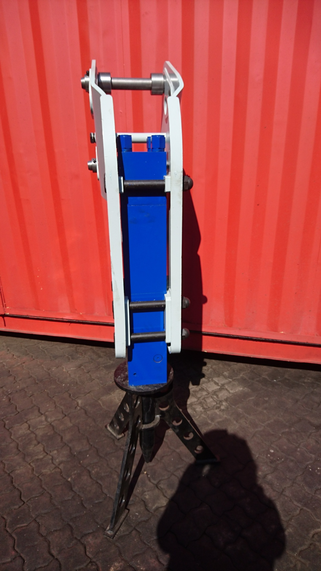 Hydraulic Hammer - TLB (6 to 9 Tonne Carrier)