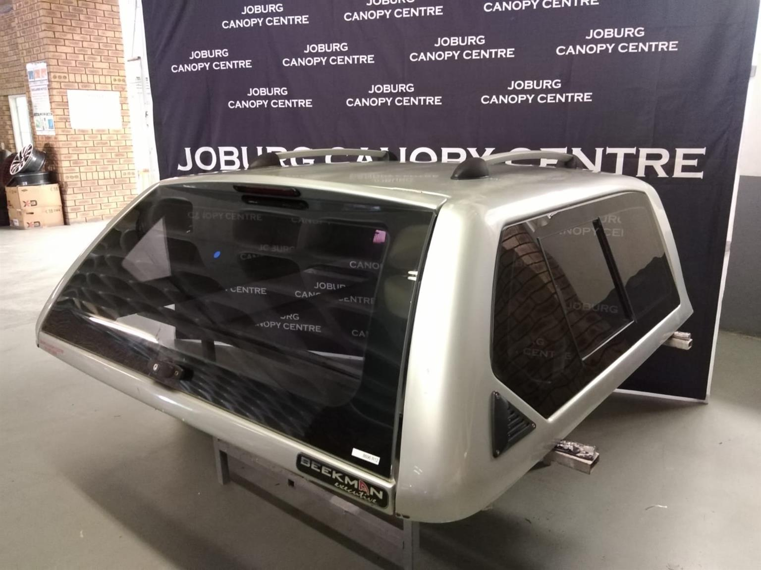 8696 FORD RANGER 2012 - 2016 D/CAB BEEKMAN EXECUTIVE CANOPY