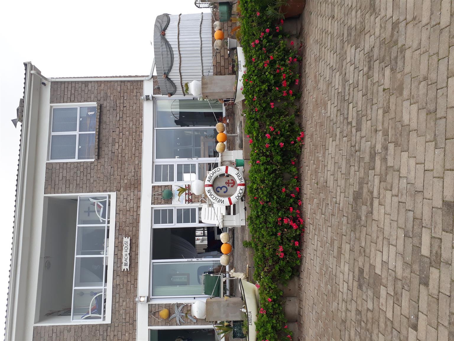 3 Anchor s/c accommodation