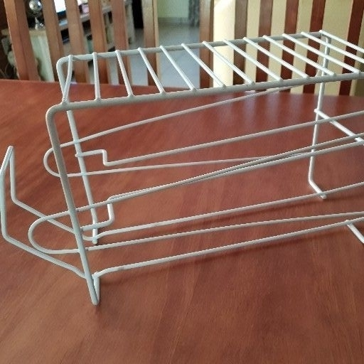 Cupboard can holder
