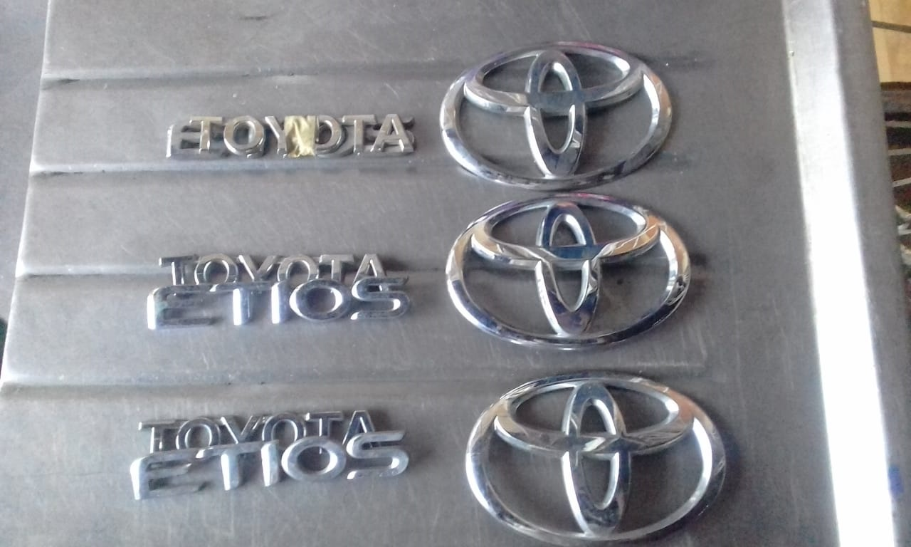 Toyota Etios Badges 2nd Hand and New