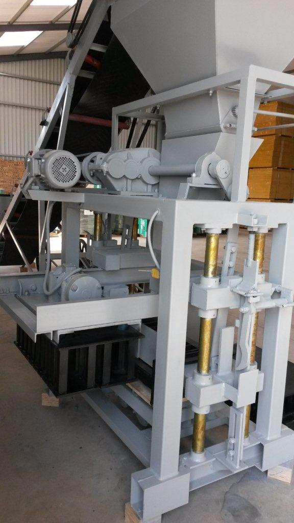 New RS5-2 Block & Brick Making Machine