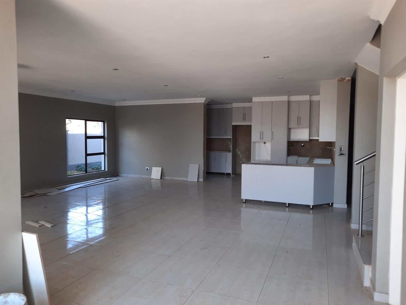House For Sale in Zambezi Manor Lifestyle Estate