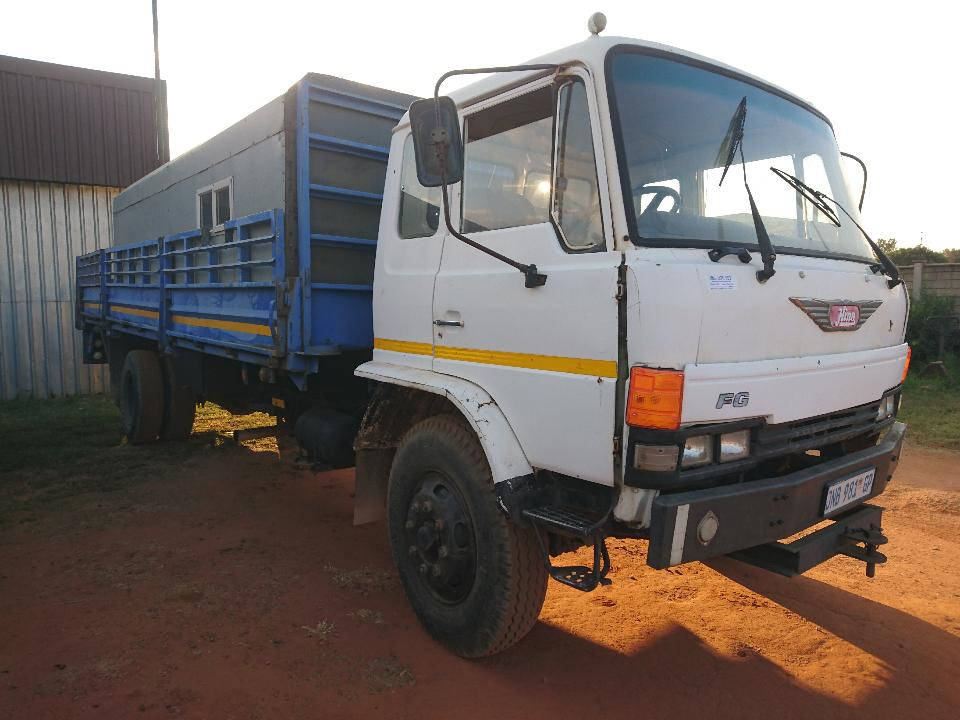 1989 HINO (8T) D/SIDE + PERSONAL CARRIER