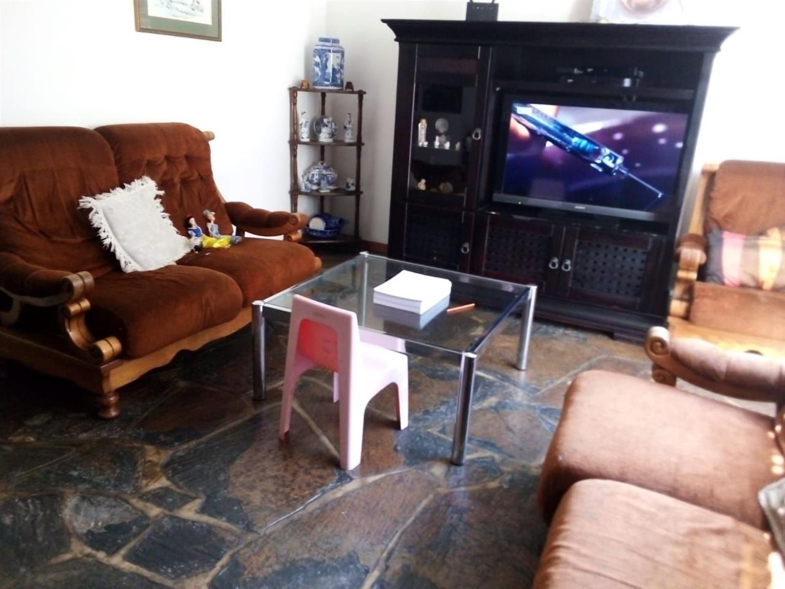 Townhouse For Sale in SILVERTON