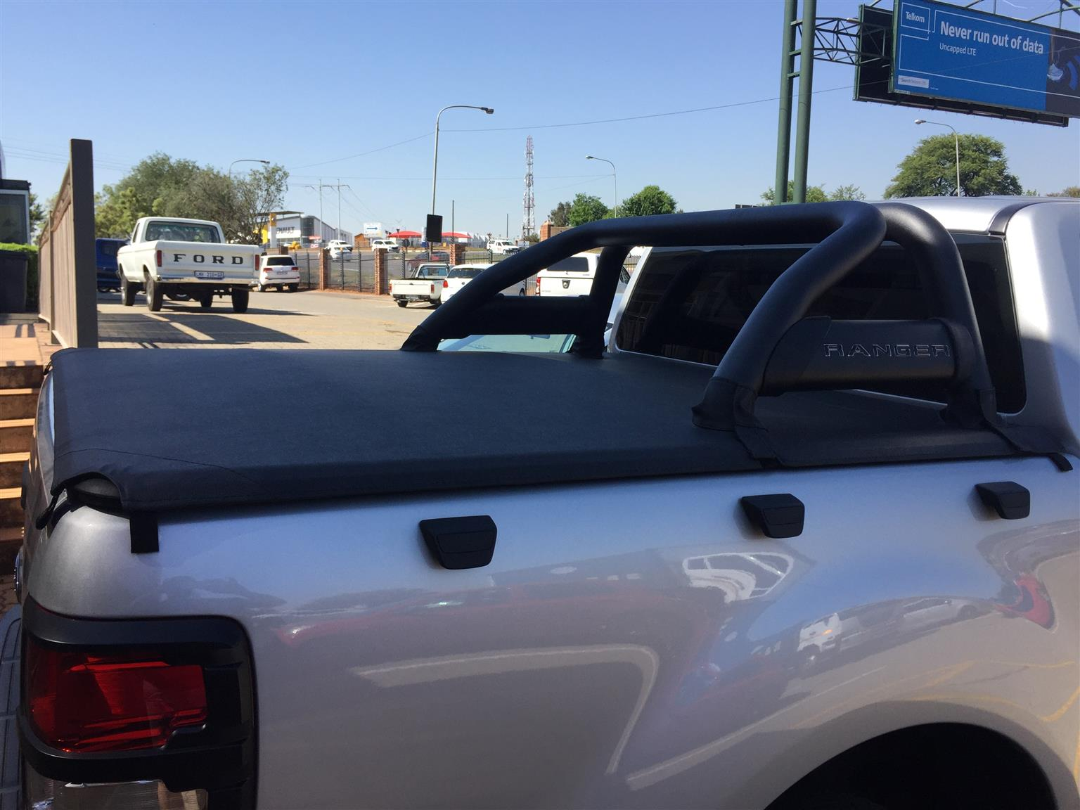 FORD RANGER TONNEAU COVER AND ROLLBAR