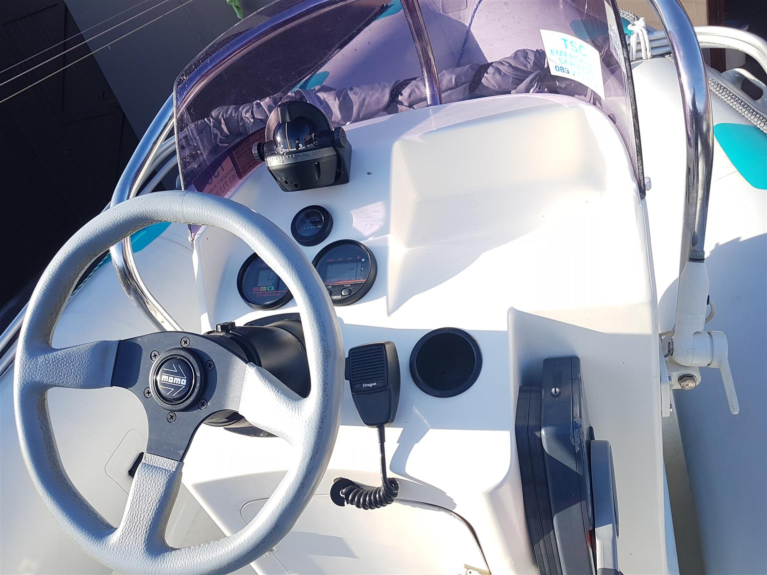 Gemini Wave rider 550 with Yamaha V4 130hp trim and tilt