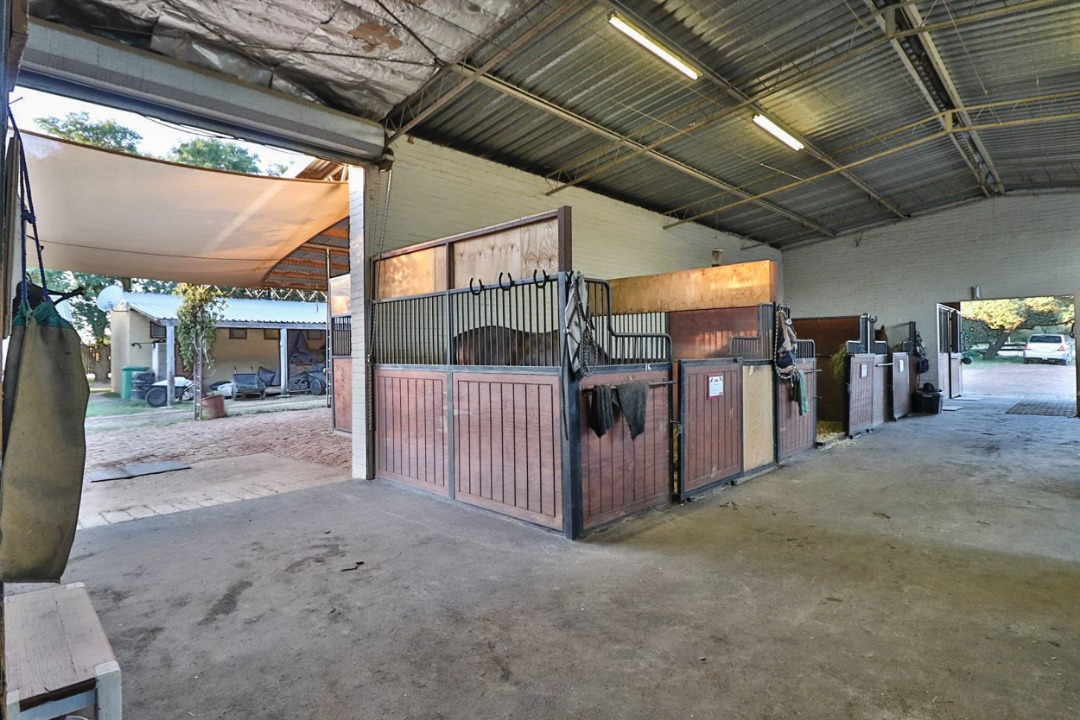 Small Holding For Sale in Bridle Park A H
