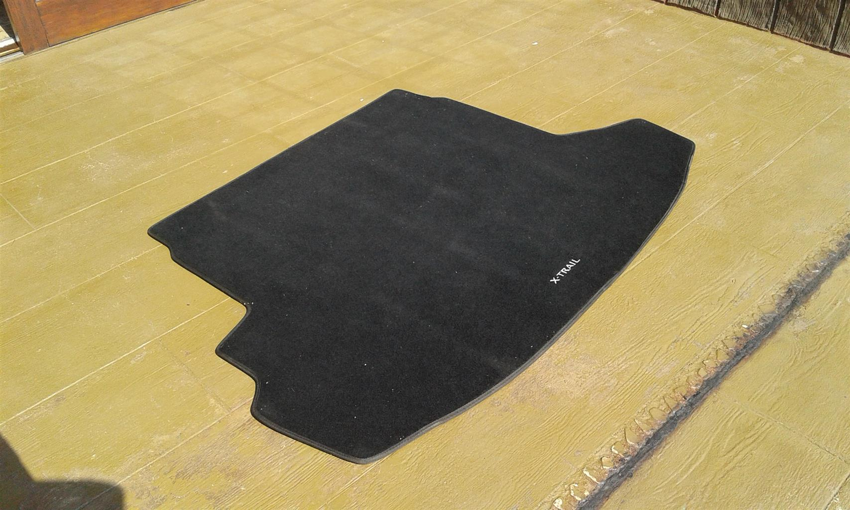 Nissan X-trail (2007-2013) Boot Floor Mat (material, original)