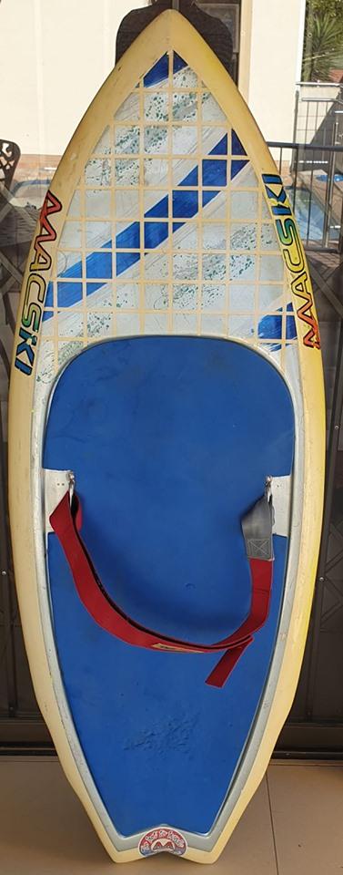 Mackski kneeboard