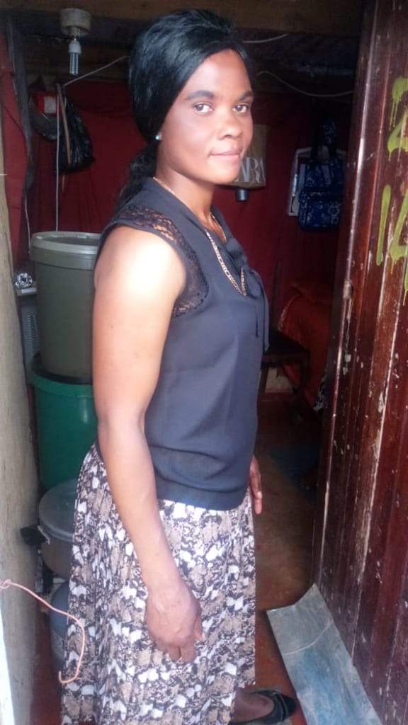 Energetic and hard working care giver/housekeeper/nanny from Zim needs stay in or stay out work.