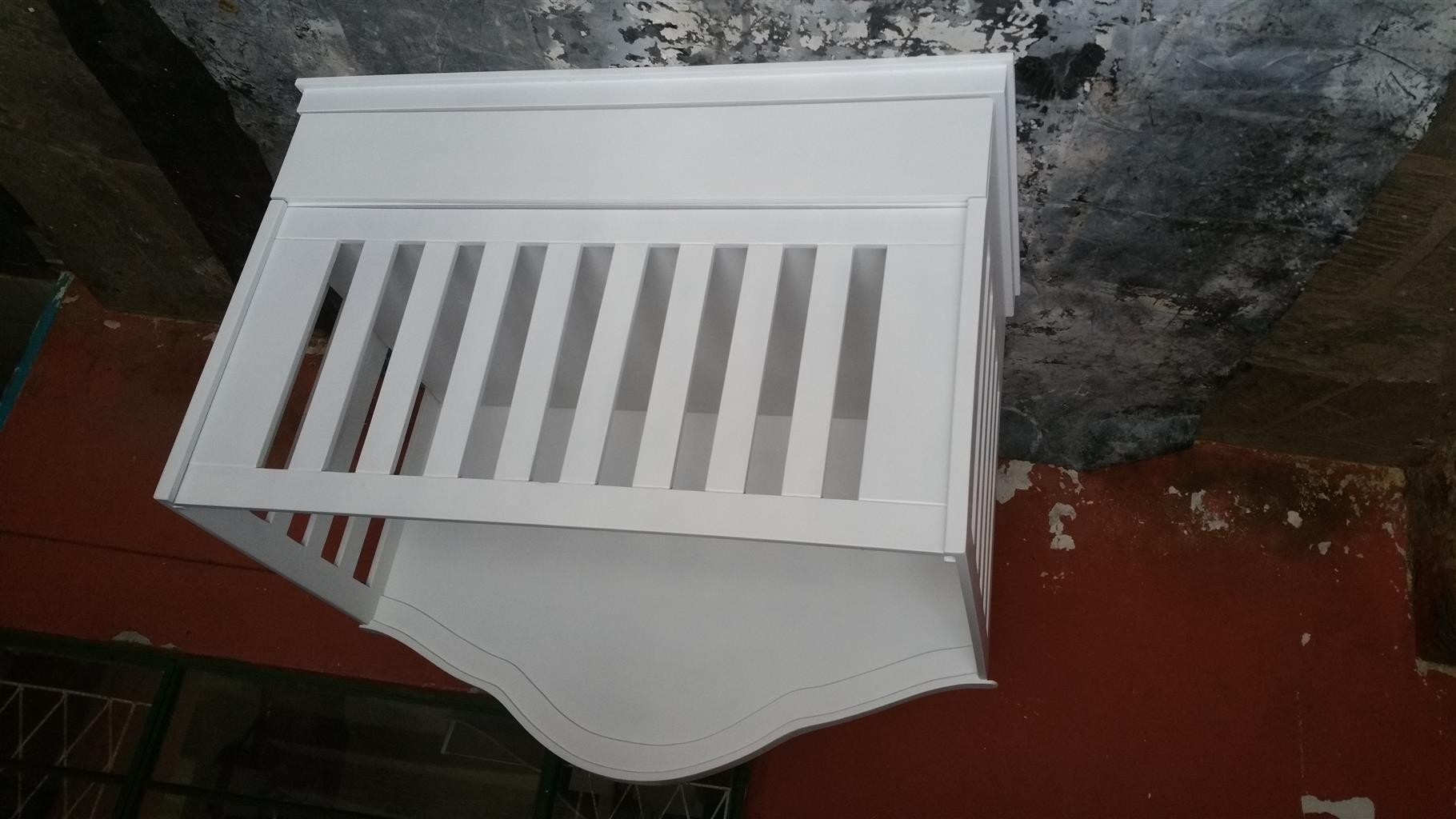 Square line Cot for Sale Duw 12