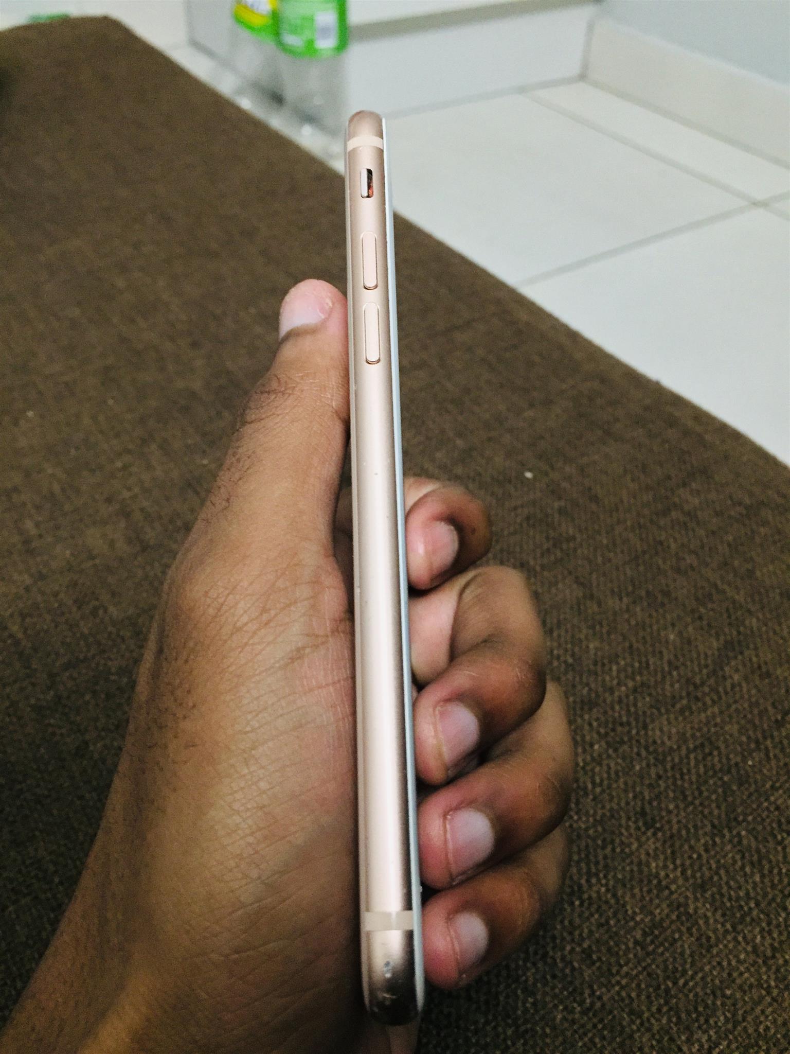 Clean iPhone 8 64GB