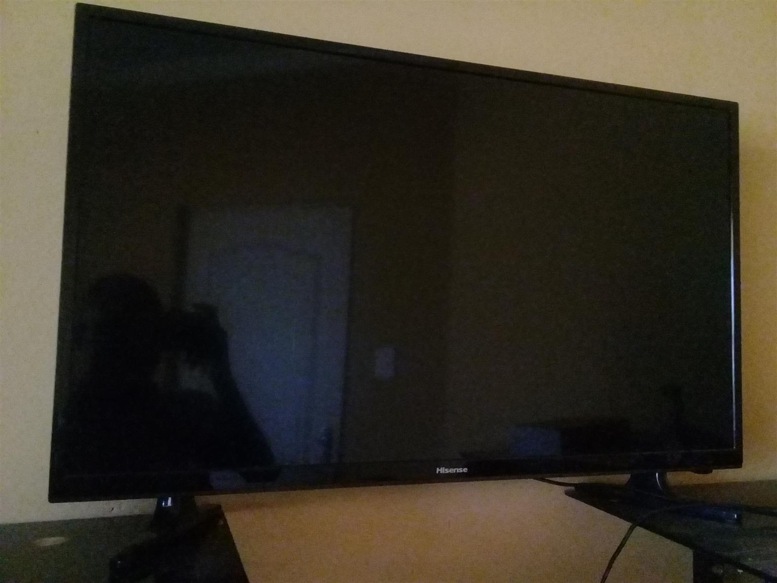 "Hisense 32"" inch LED TV"