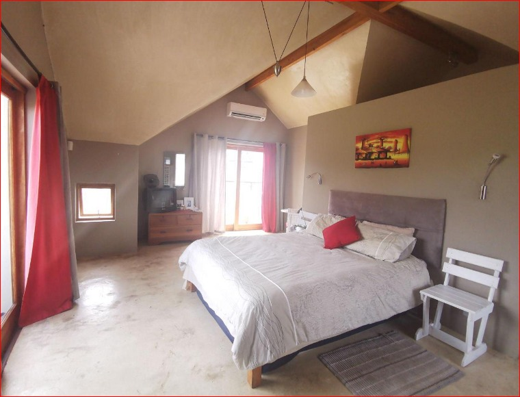 House For Sale in Silwerstrand Golf And River Estate
