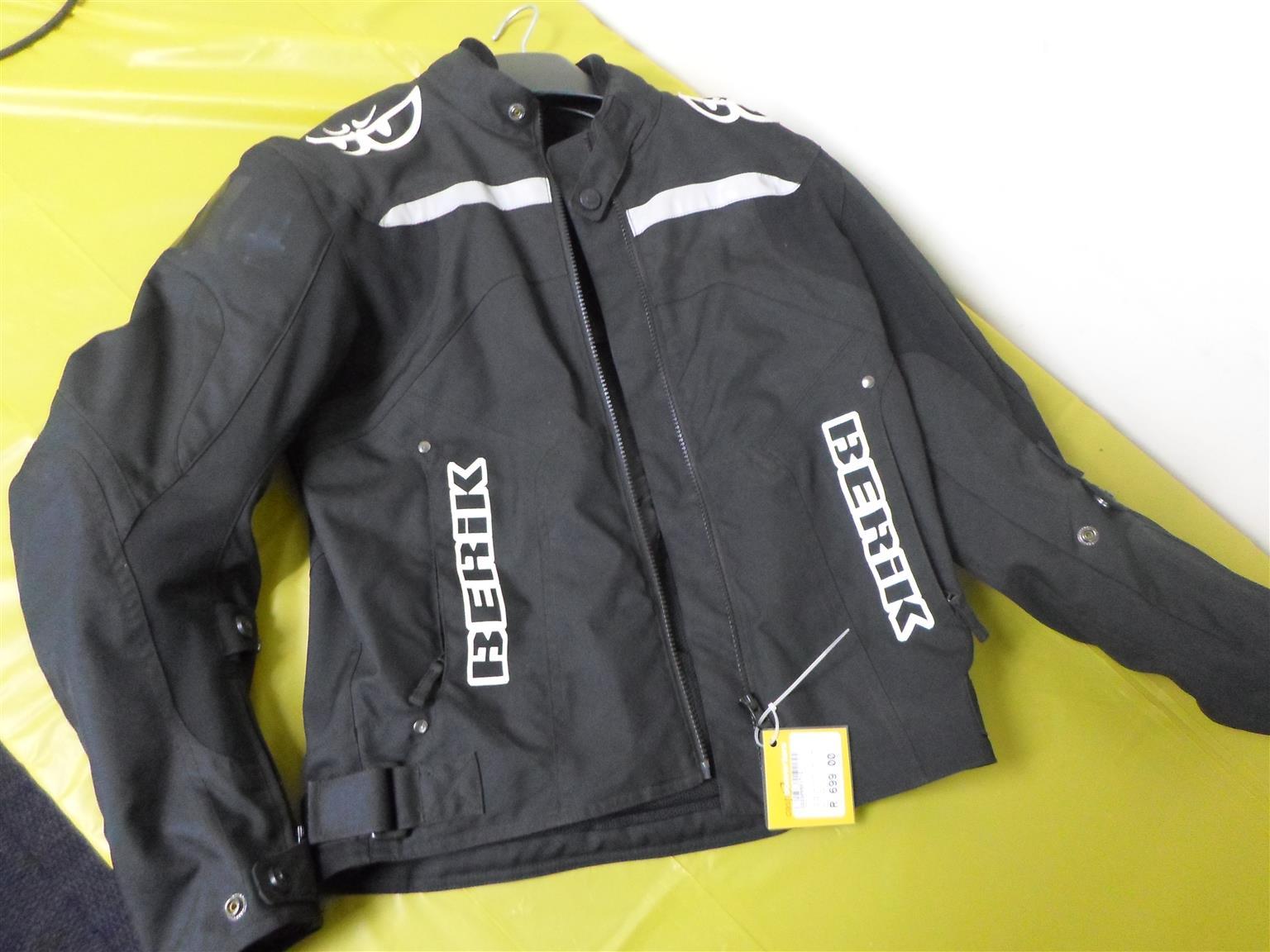 Size 48 Berik Motorcycle Jacket