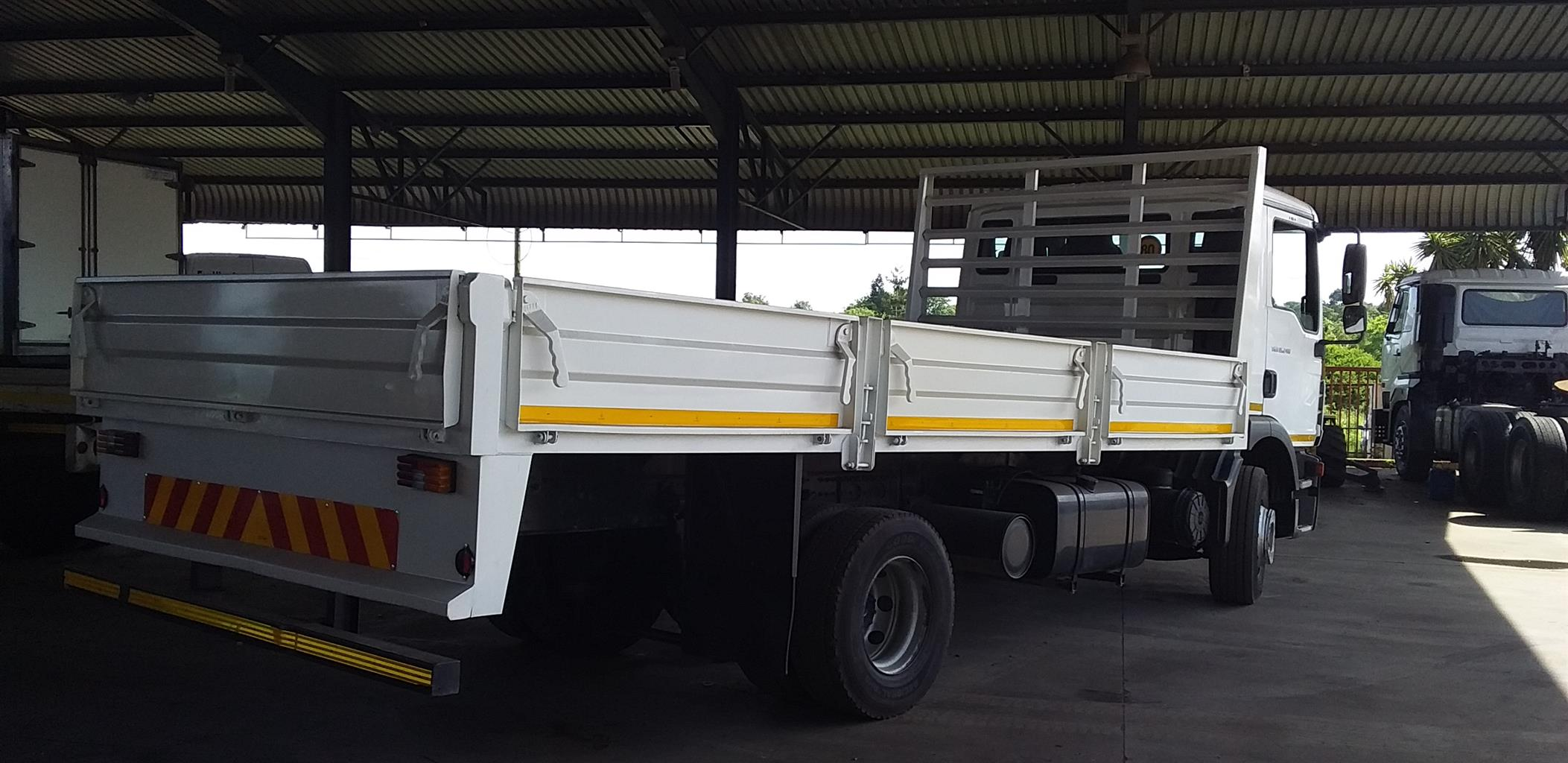 2016 MAN TGM 15.240 DROPSIDE BODY