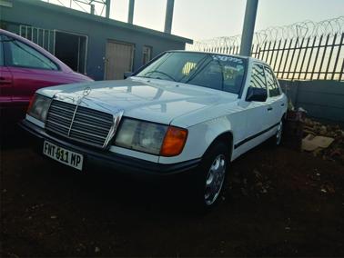 1999 Mercedes Benz 200E
