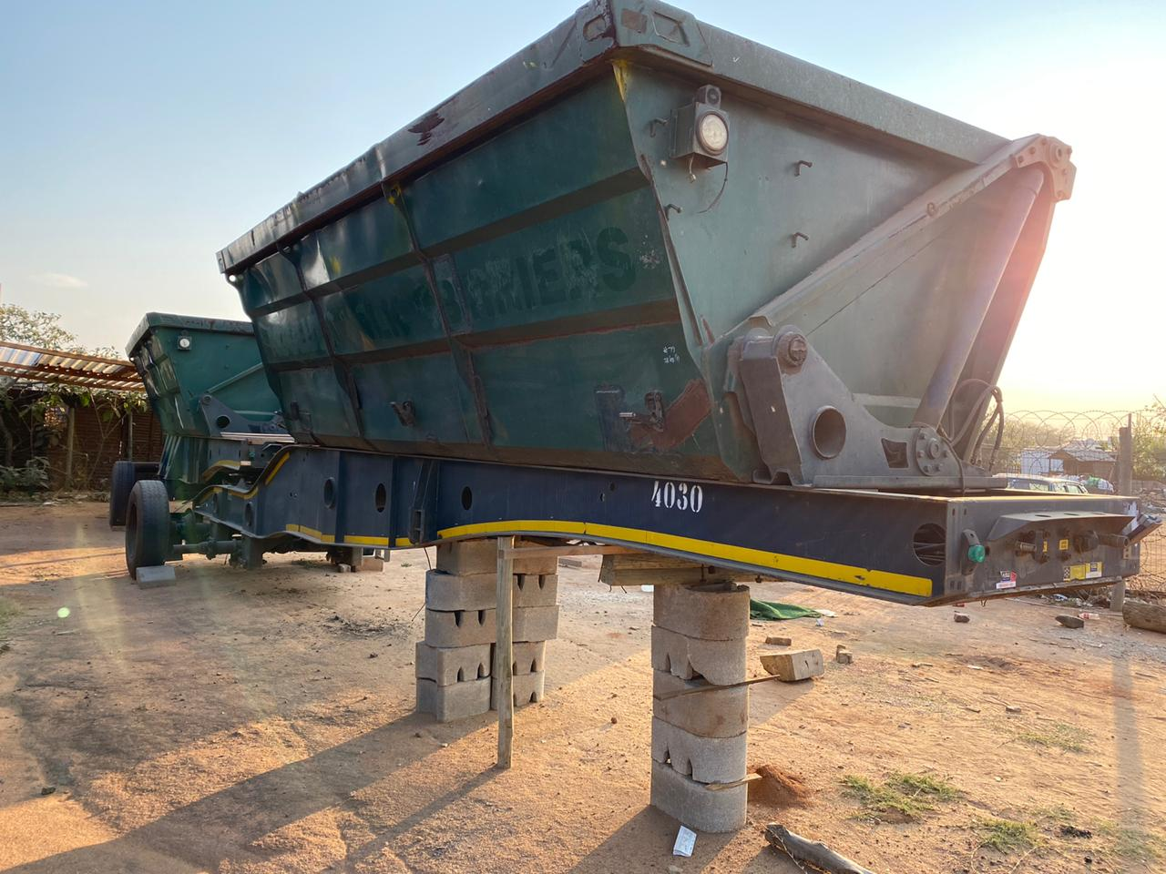 2014 Afrit side tipper trailer 40 cube for sale.