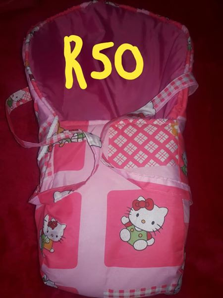 cc05316a8071 Pink hello kitty baby bag