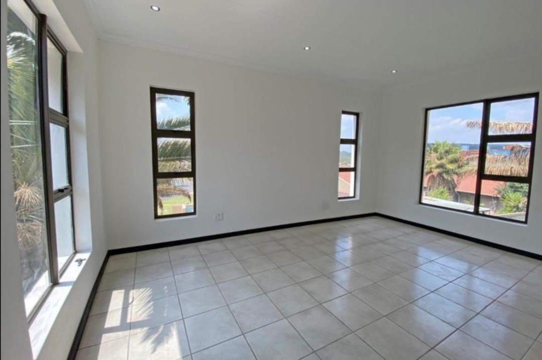 House For Sale in Alberton North