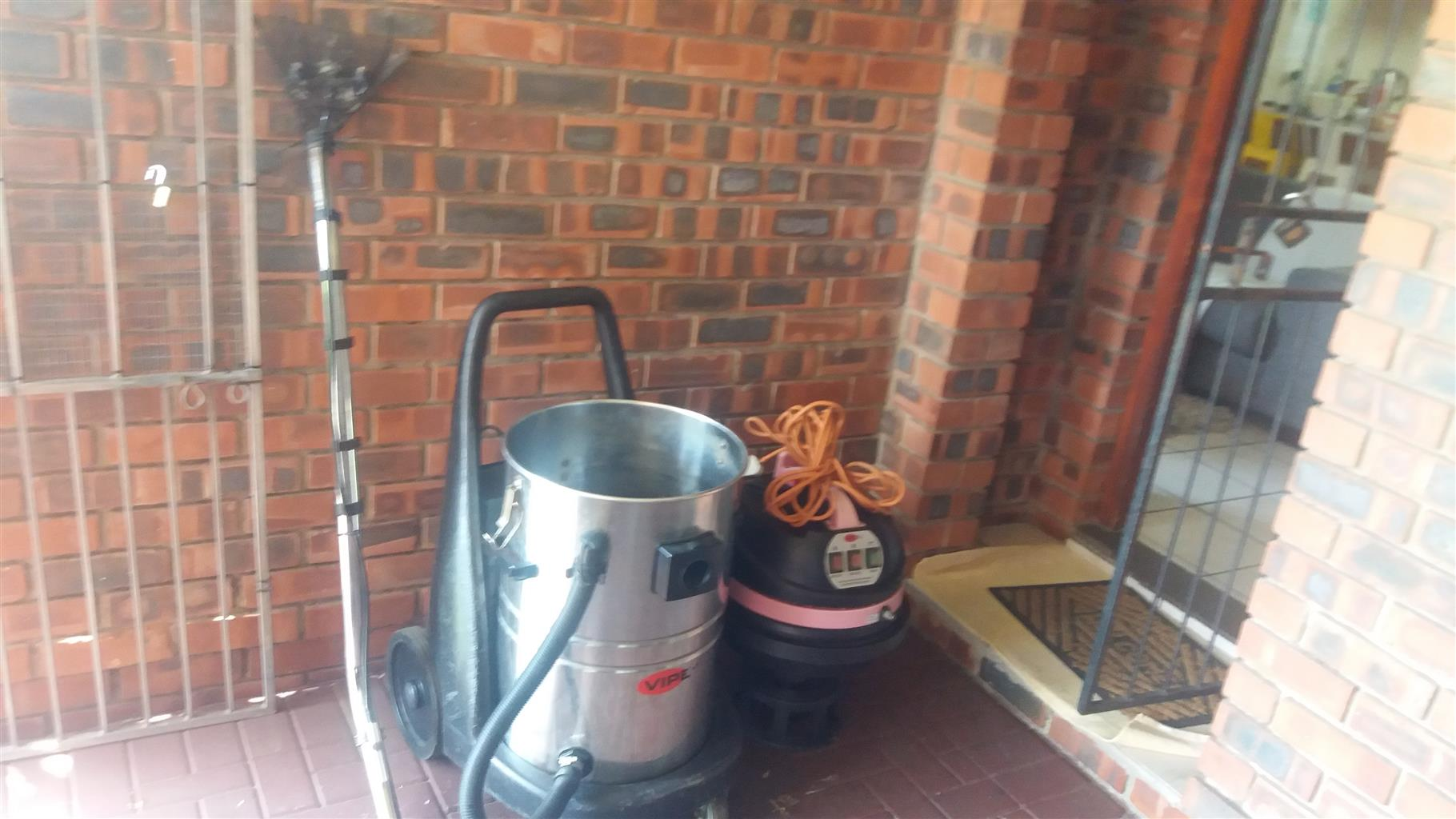 Viper  Industrial Carpet and Upholstery carpet cleaning machine