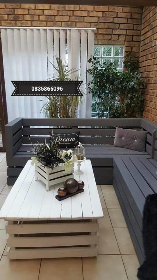 Corner benches