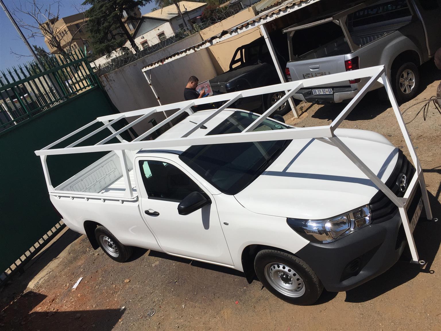 Contractors pick up bakkie roof racks installed