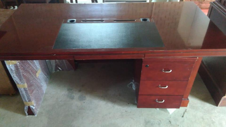Emboya desk with 3 drawers