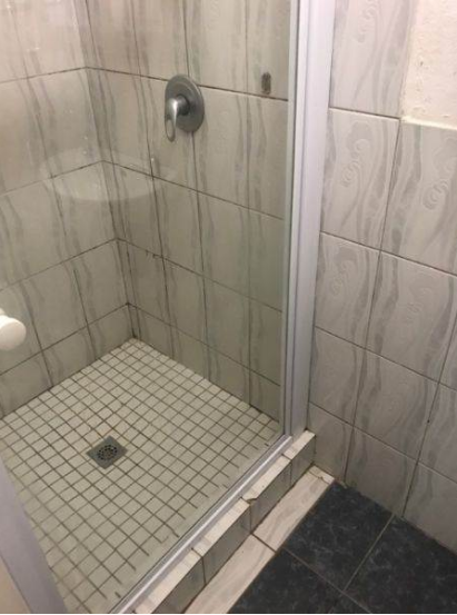 Spacious fully furnished bachelor apartment near the Gautrain