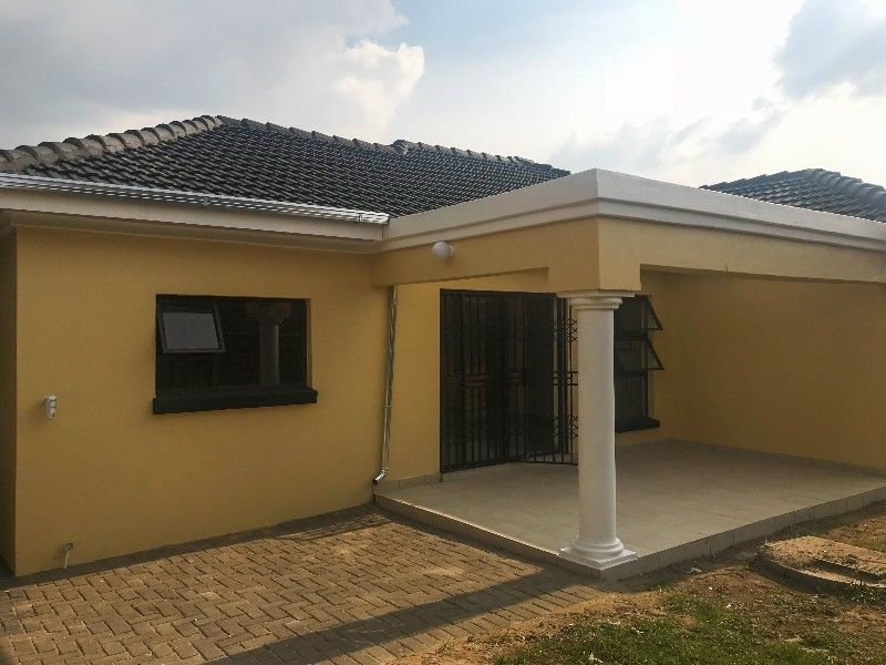 Newly built charming 3 bedroom house to let