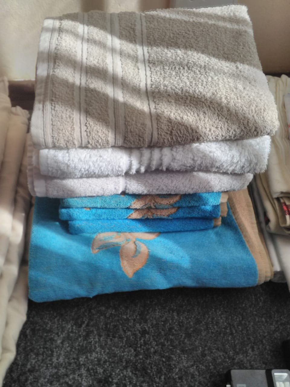 3 x bath towels