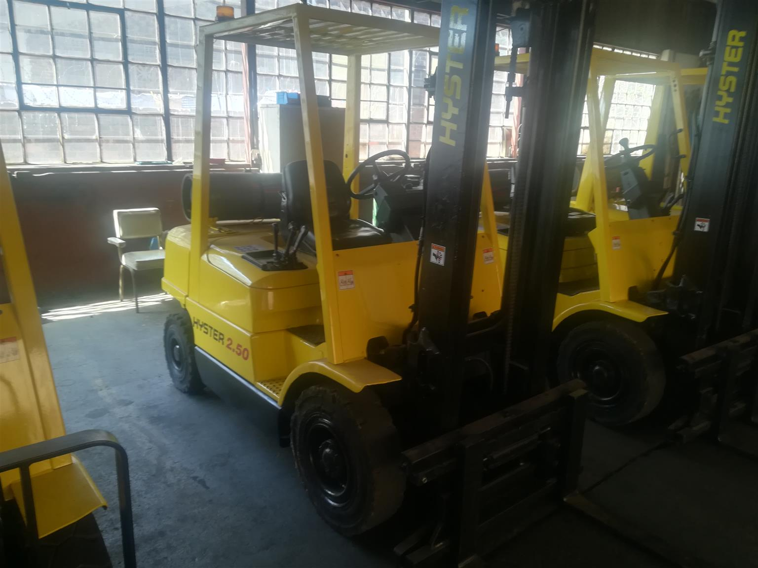 3 x 2.5 ton Hyster Gas Forklifts for sale