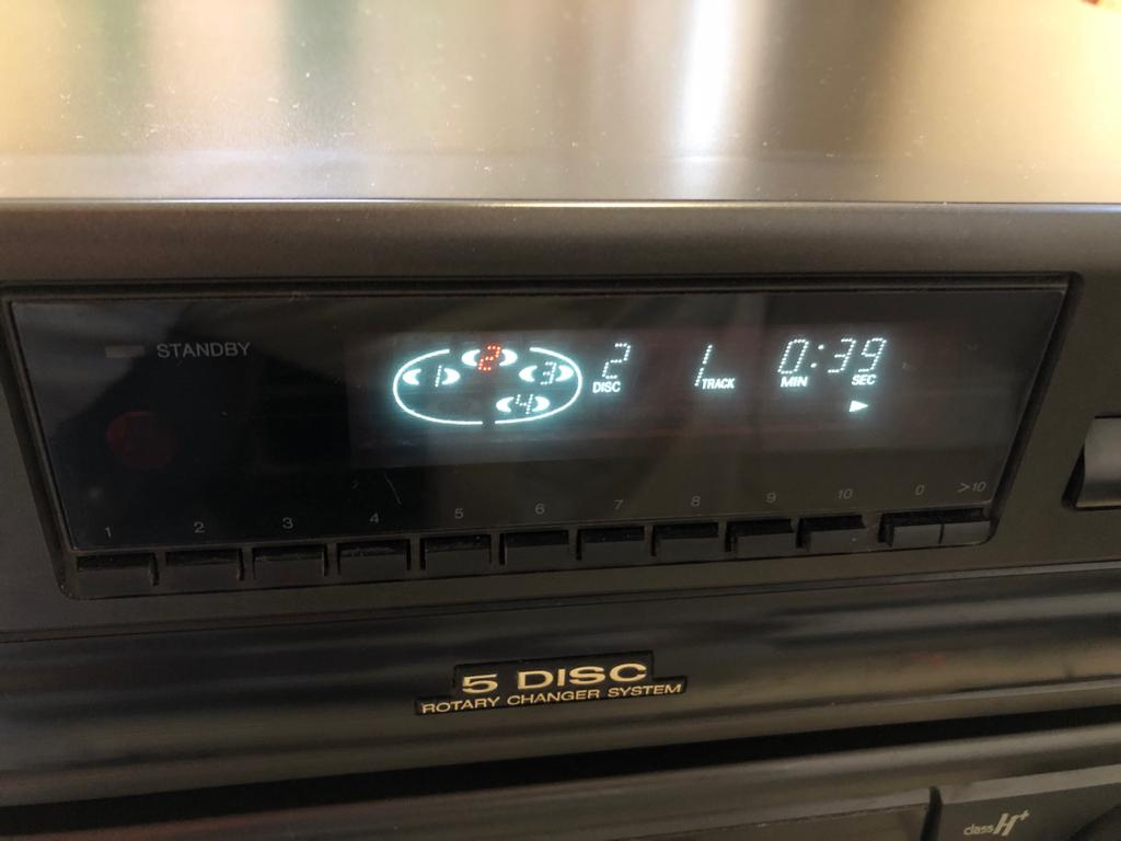 Technics SL-PD687 5 CD Compact Disc Changer - enjoy the full splendour of uncomp