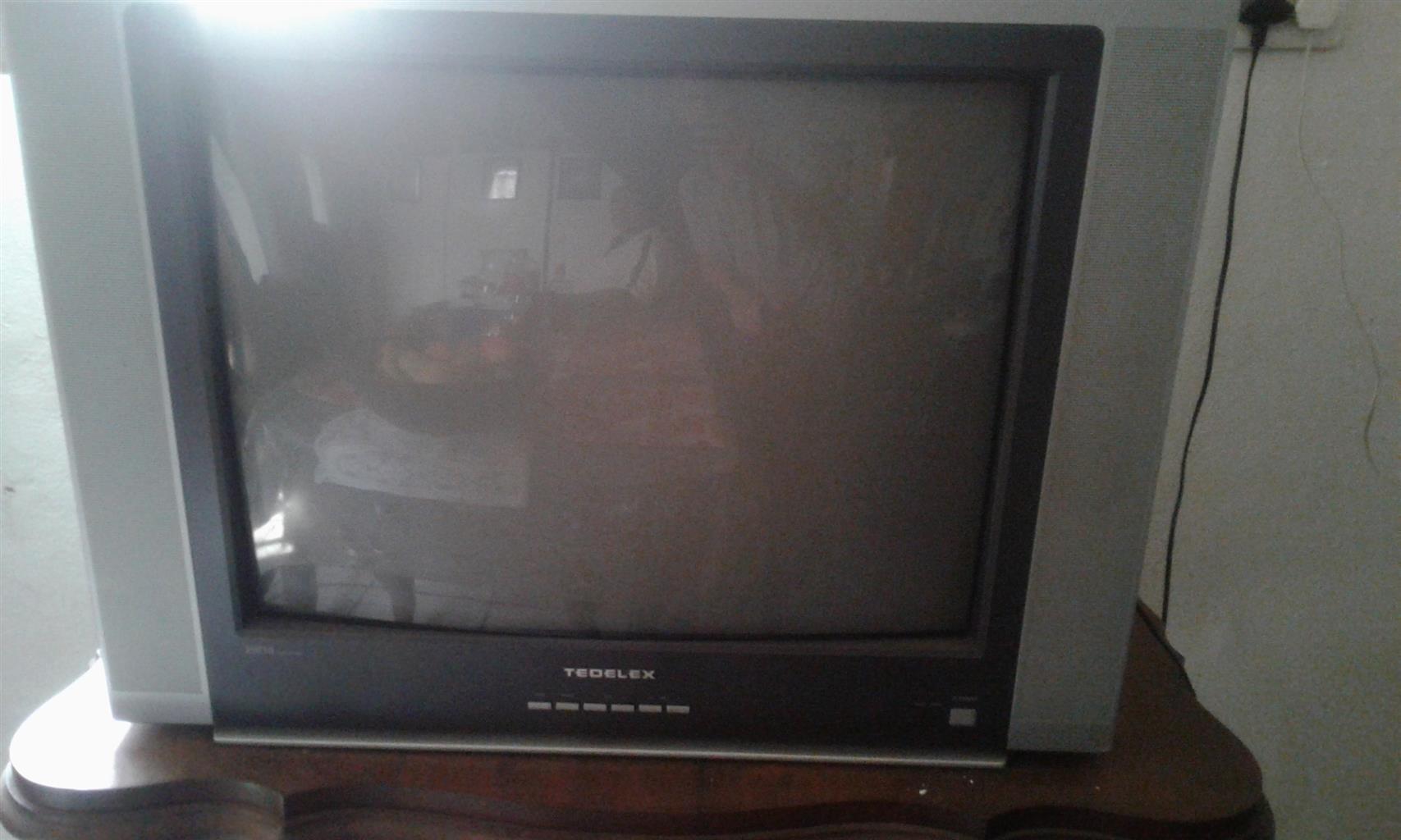 Tedelex 70cm TV