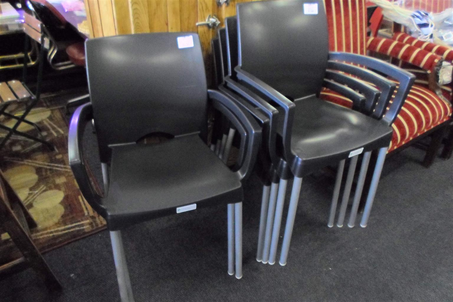 7x Outdoor Chairs