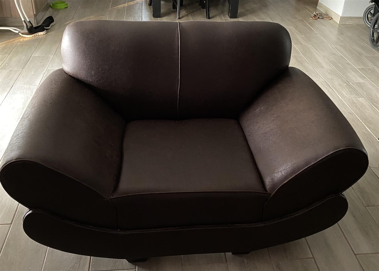 321 Lounge Suite