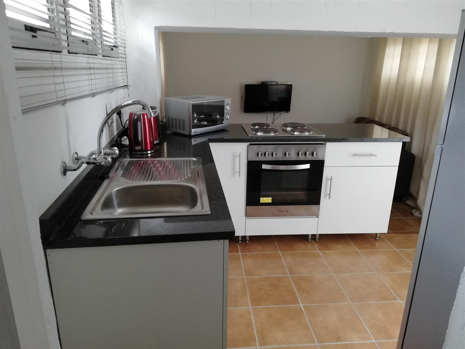 DURBAN SELF-CATERING, 1 BED APARTMENTS, QUEENSBURGH