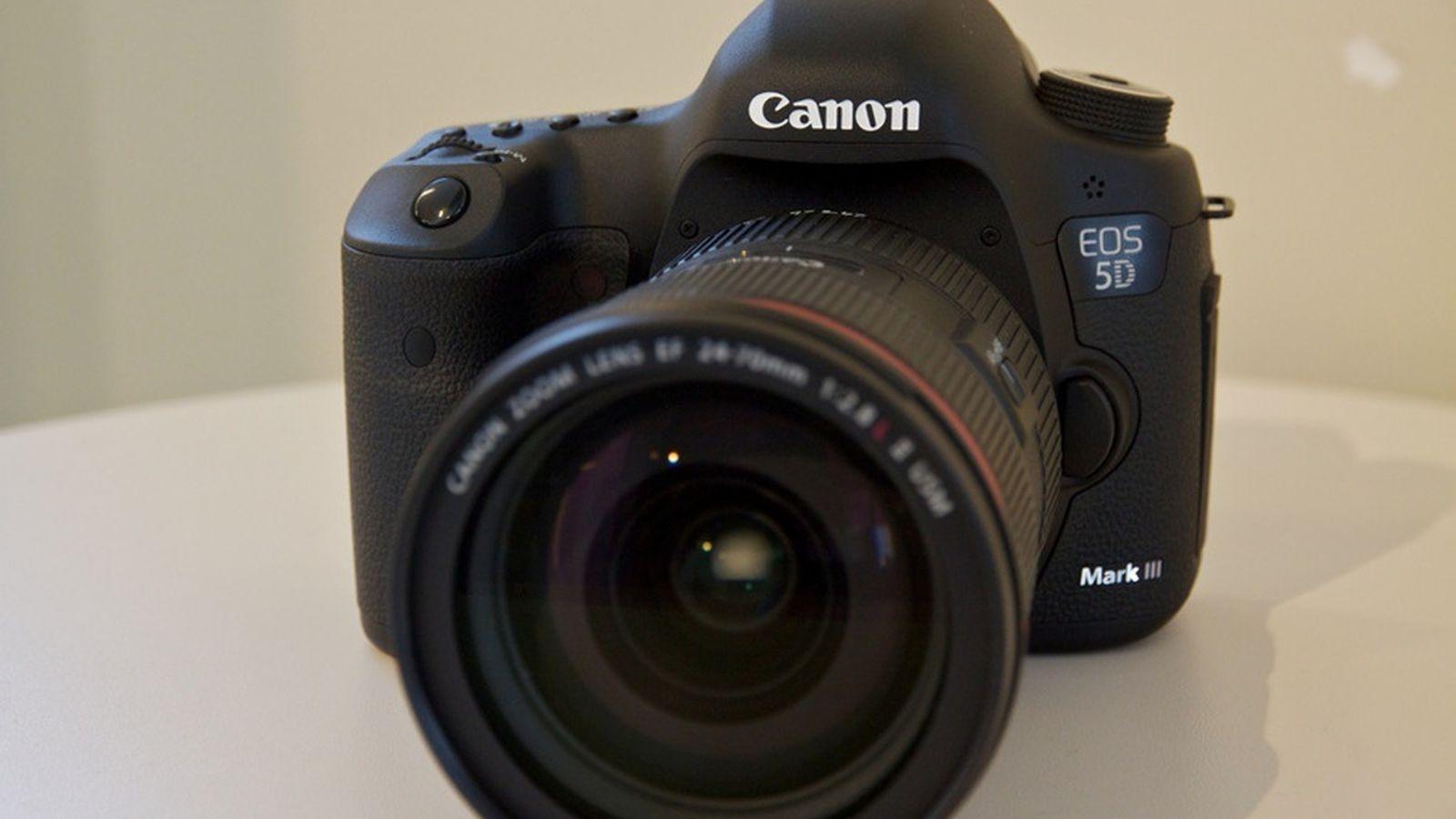 Canon EOS 5D Mk III DSLR Camera & 24-105 L Lens Kit 5260B050