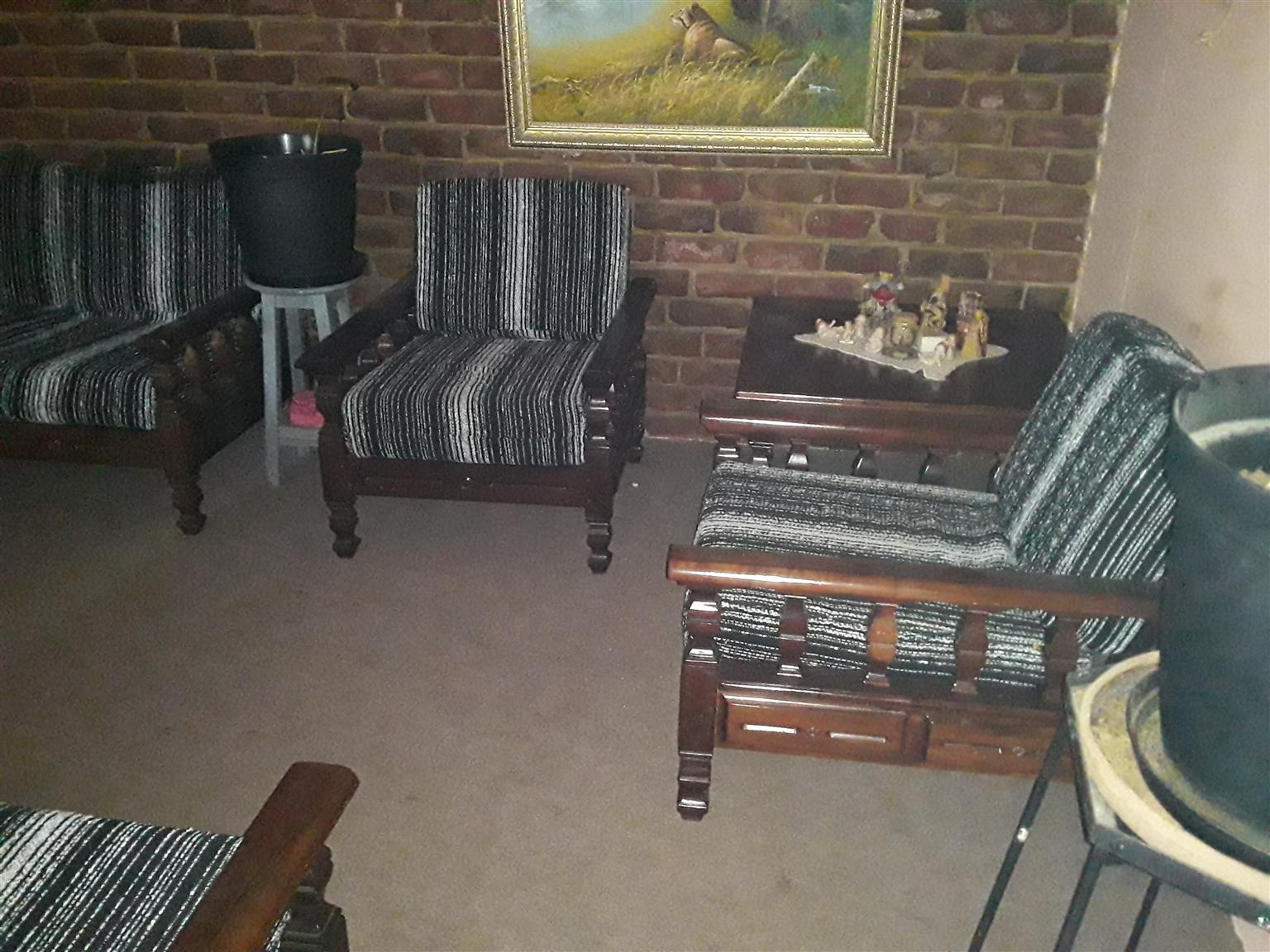 Imbuia lounge suite