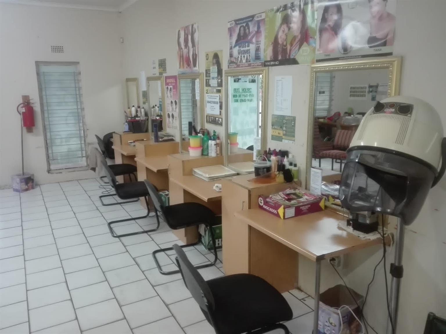 space for rent for tailor, nails, make up and massage therapy in a saloon