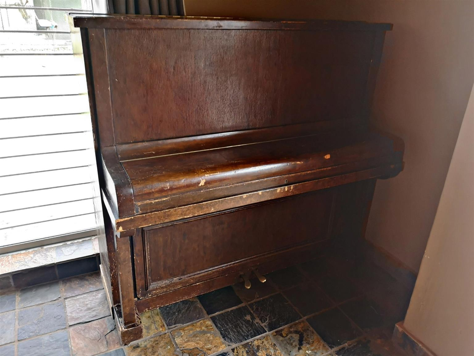 Rud Ibach Sohn Upright Piano