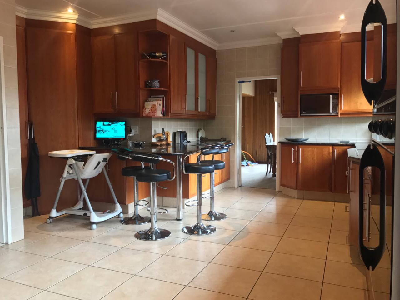 Spacious family home in Edenvale avenues