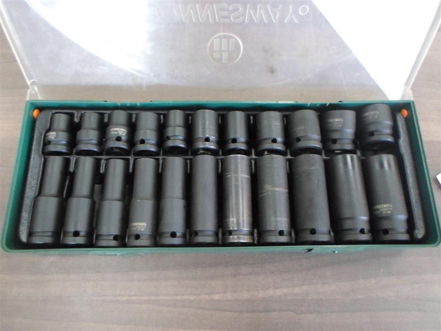 "Jonnesway 22pc. 1/2"" DR. 6PT Flank Impact Socket Set"