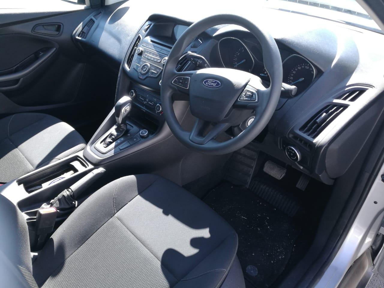 2018 Ford Focus sedan 1.0T Ambiente