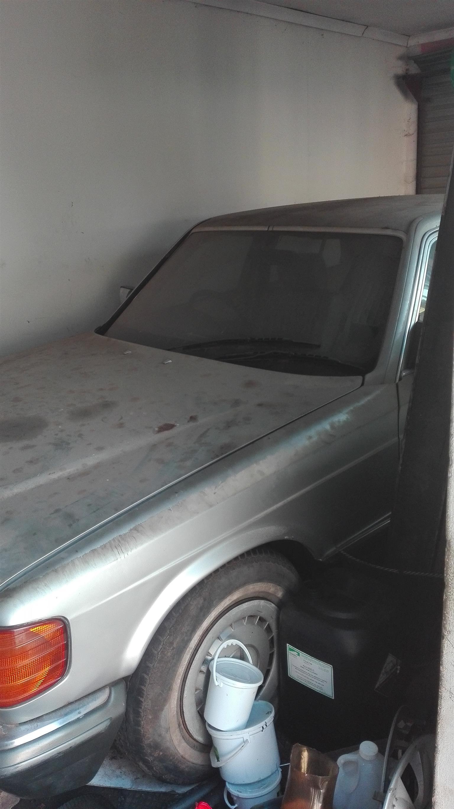 1990 Mercedes Benz 380SE