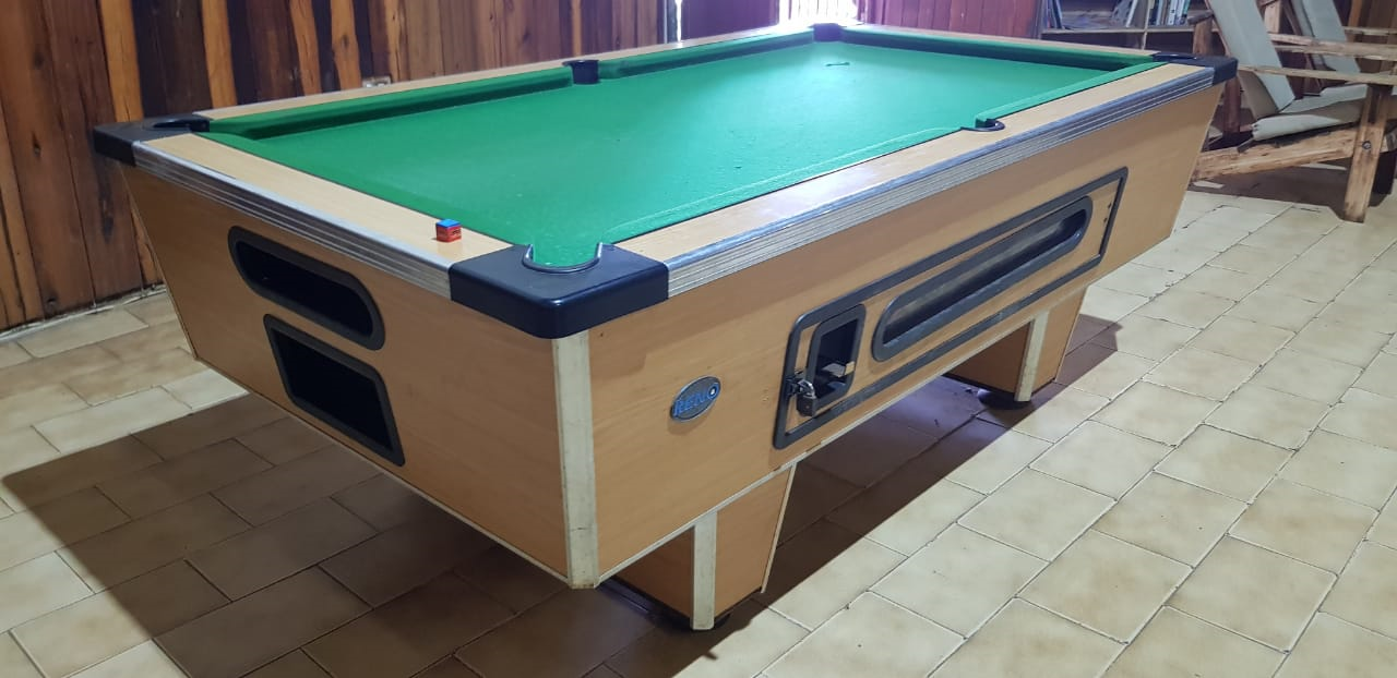 Coin operated pool table - R5000
